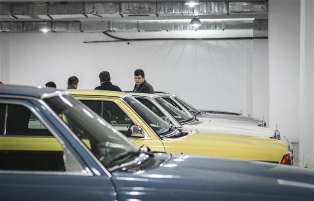 Yeni sahiplerini bekleyen Klasik Mercedesler - Page 1
