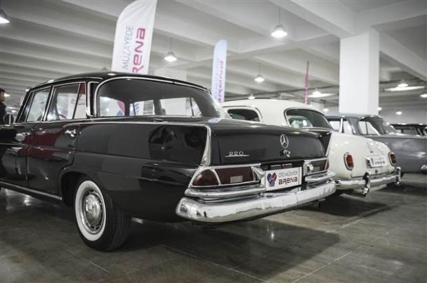 Yeni sahiplerini bekleyen Klasik Mercedesler - Page 2