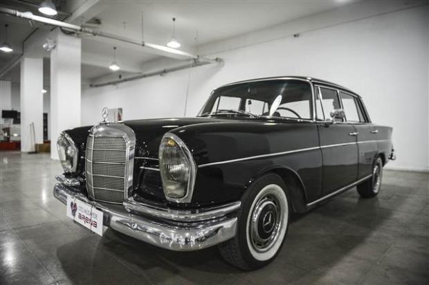 Yeni sahiplerini bekleyen Klasik Mercedesler - Page 3