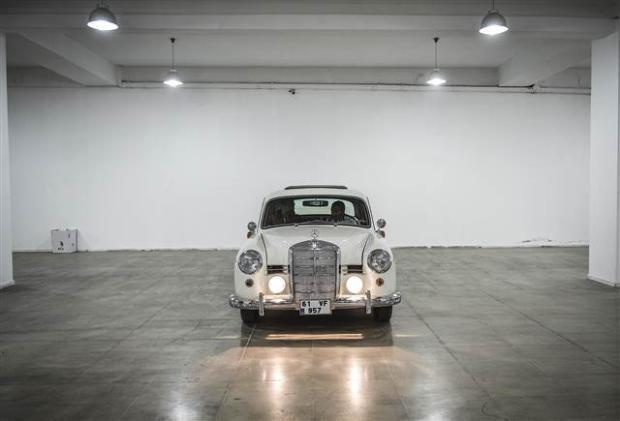 Yeni sahiplerini bekleyen Klasik Mercedesler - Page 4