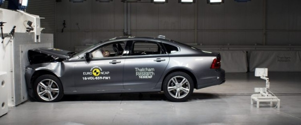 Yeni yılın en güvenli otomobilleri - Page 2