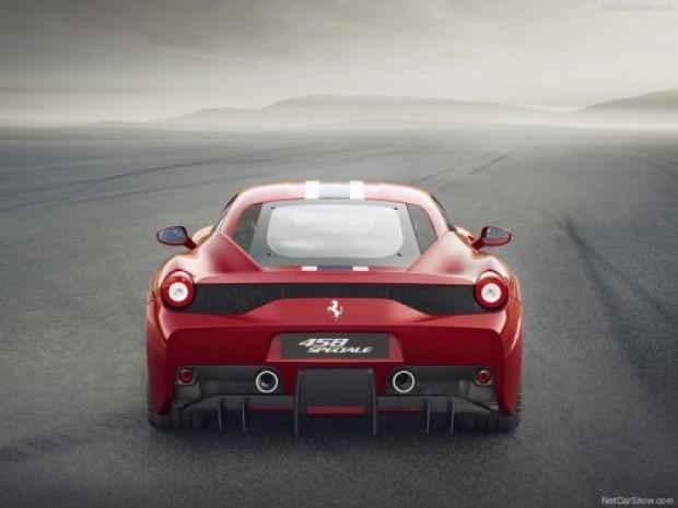 Yepyeni Ferrari 458 Speciale - Page 4