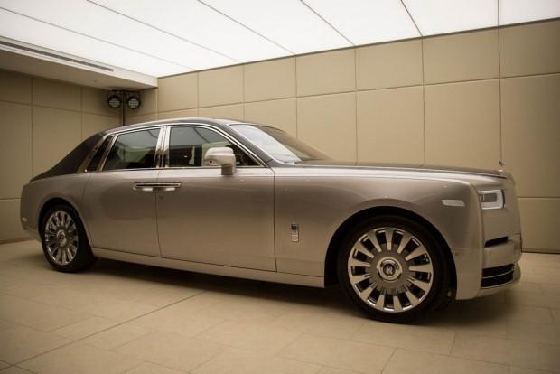 Yepyeni Rolls-Royce Fantom VIII - Page 4