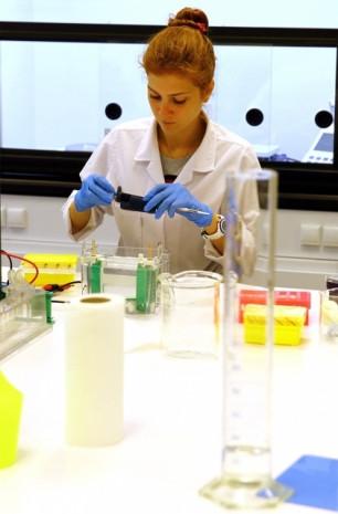 Yerli ilaç için dev laboratuvar  İBG-İzmir - Page 1