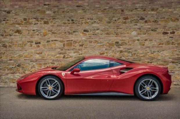 Yılın en iyi motoru Ferrari'nin - Page 4