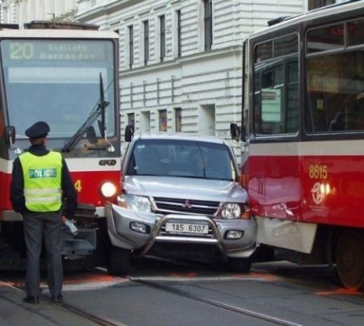 Yollarda pek karşılaşamayacağınız acayip araçlar ve nasıl olduğu anlaşılamayan kazalar - Page 2