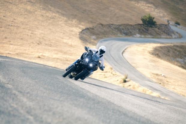 Yüksek performanslı, 3 tekerlekli canavar Yamaha Niken - Page 2