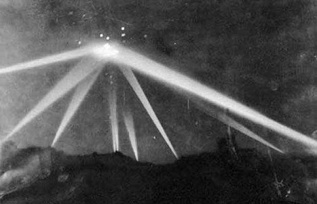 Yüzyılın en çok konuşulan UFO görüntüleri - Page 3