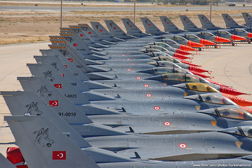1324503222_turkish-air-force-f-16-by-theasiandefence.jpg