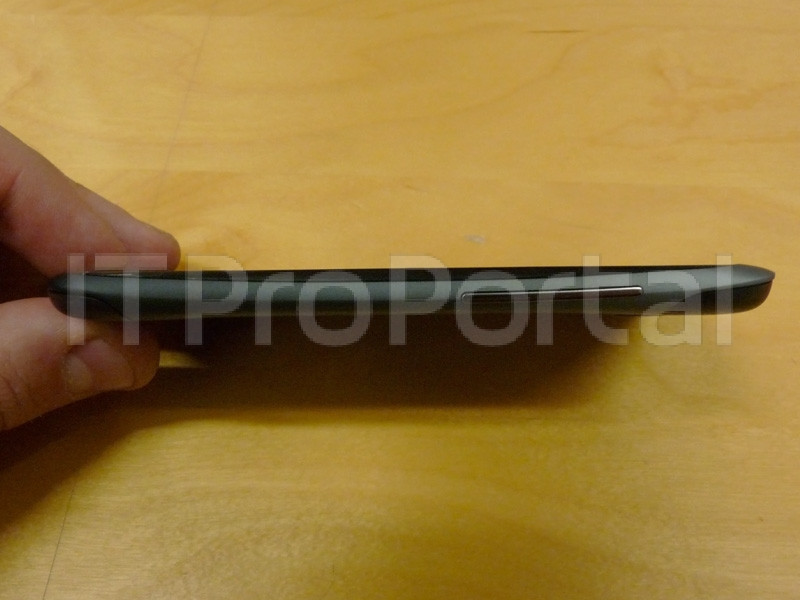 1330167486_htc-one-s-live-photos-leak-ahead-of-mwc-2012-3.jpg