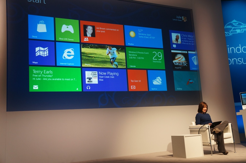 1330683956_windows-8-consumer-preview-event-4.jpg