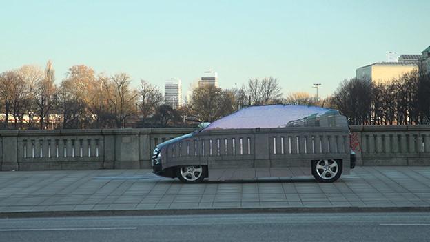 1330961596_invisible-mercedes-f-cell-minivan.jpg
