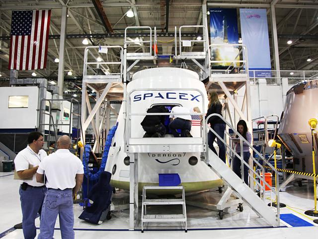 1332328168_spacex-dragonrider-spacecraft-1img1.jpg