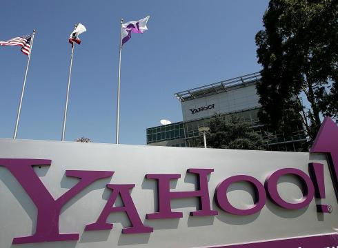 1333561771_yahoo-to-lay-off-2000-employees-k818jeuo-x-large.jpg