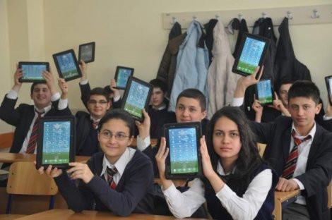 1337725686_fatih-projesi-kapsaminda-160-tablet-dagitildi-iha-20120207ay516031-1-t.jpg