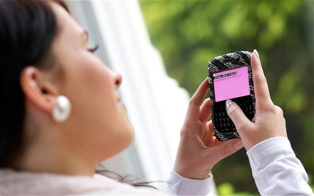 1340968054_texting2198326b.jpg