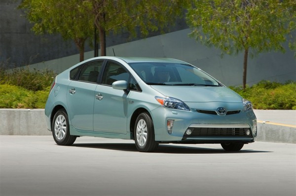 1342507970_2012-toyota-prius-plug-in-hybrid-front-angle-view.jpg