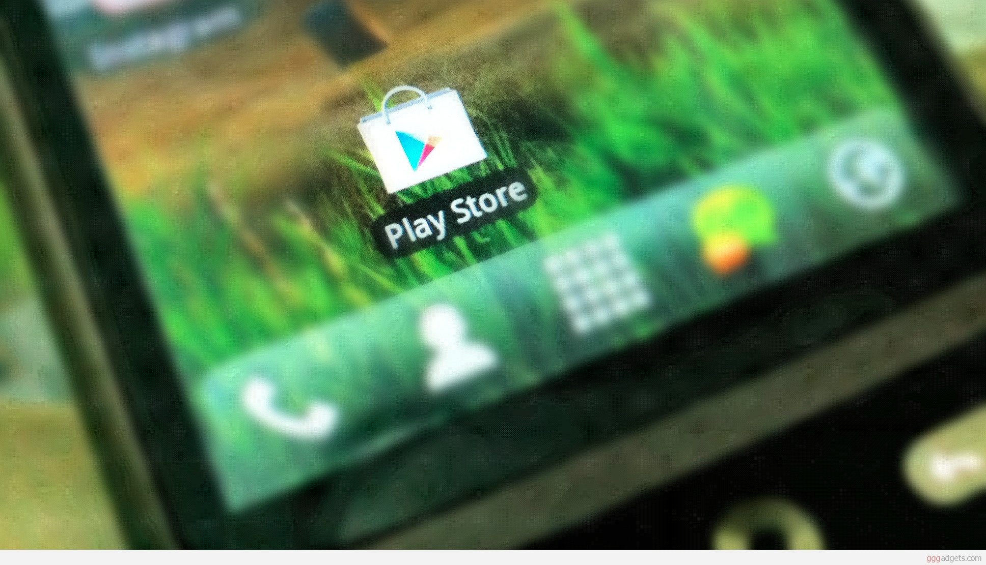 1343825795_google-play-store.jpg
