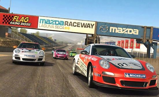1343990732_real-racing-3-1.jpg