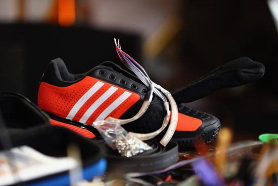 1344868914_adidas-builds-twitter-training-shoe-0.jpg