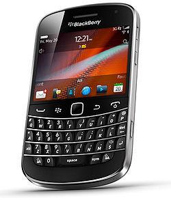 1346178274_250px-blackberrybold9900.jpg