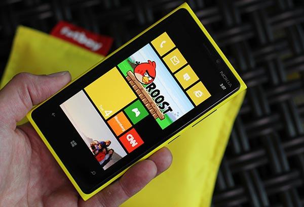 1347002007_lumia920.jpg