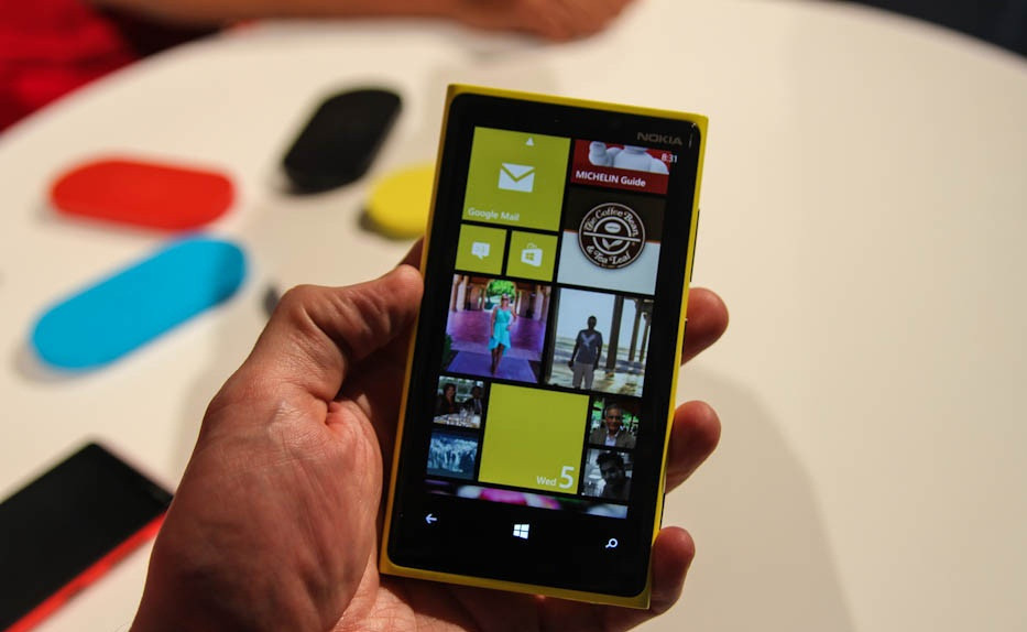 1347280368_nokia-lumia-920-pictures-preview-0.jpg