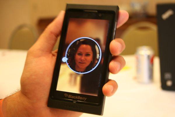1354606068_blackberry102.jpg
