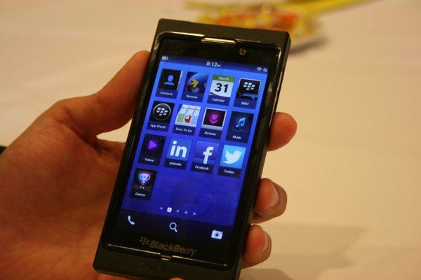 1354607005_blackberry109.jpg