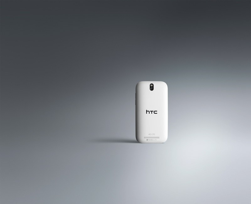 1355236522_htc-one-sv-back-glacier-white-4g-1.jpg