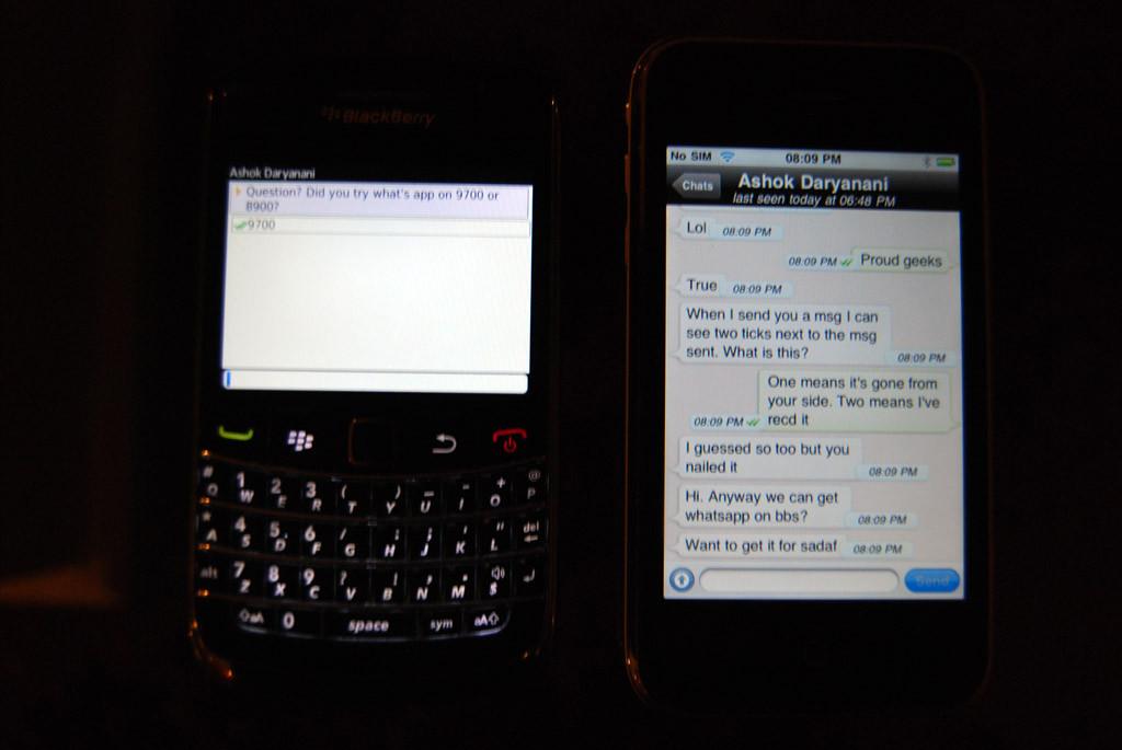 Whats App On BlackBerry 9220