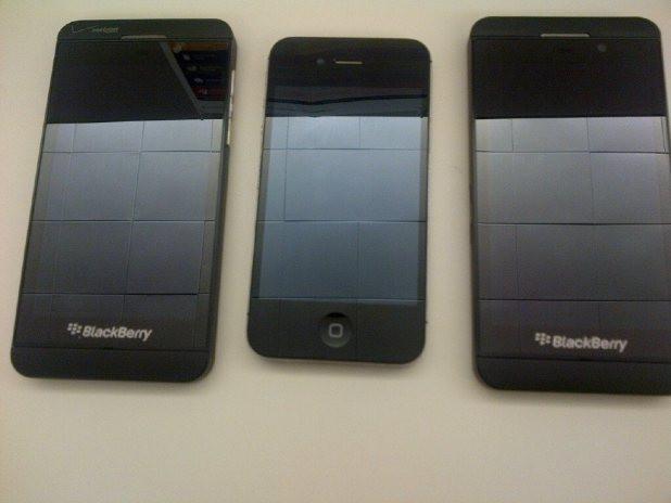 1357280313_blackberry-z10-iphone-4s.jpg