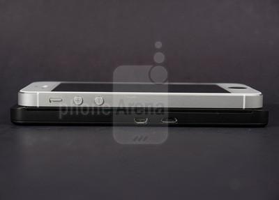 1360238975_blackberry-z1-vs-apple-iphone-5-004-kopyala.jpg