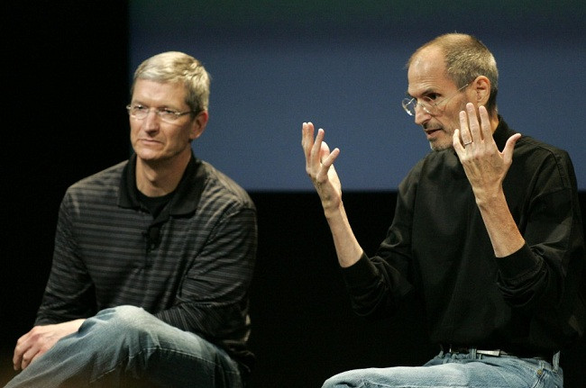 1360540892_169546-apple-tim-cook-and-ceo-steve-jobs.jpg