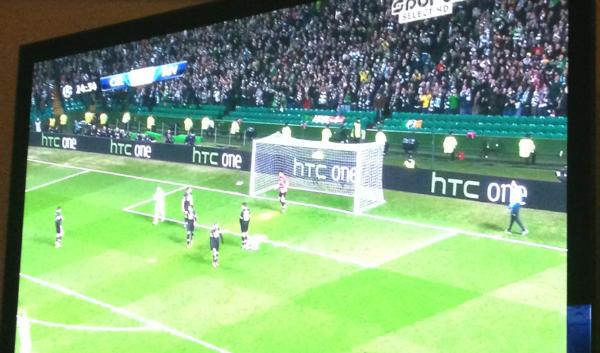 1360825018_htc-one-billboard-champions-league-celtic-juventus-1.jpg