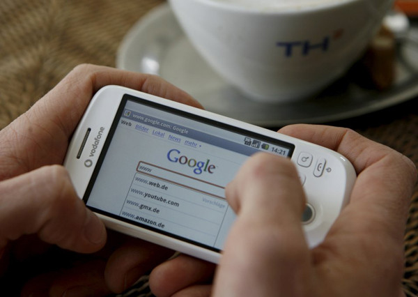 1362131127_o1000680680smartphone-internet-google-dpa1.jpg