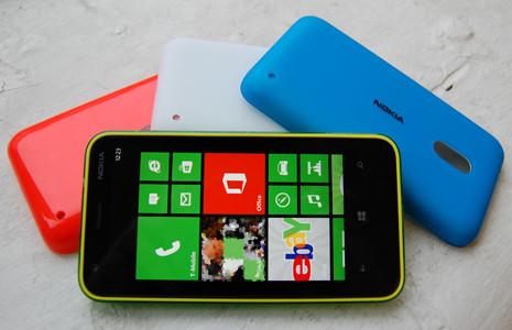 1362668729_nokia-lumia-620colour-rangefront.jpg