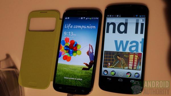 Iyi androidliler yarışıyor galaxy s4 vs nexus 4 karşılaştırma