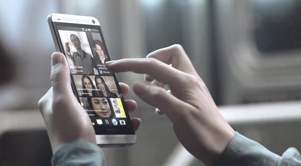 1364796022_htc-blinkfeed-commercial-youtube.png