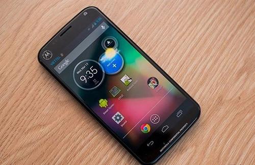 1366432229_moto-leak-xphone.jpg