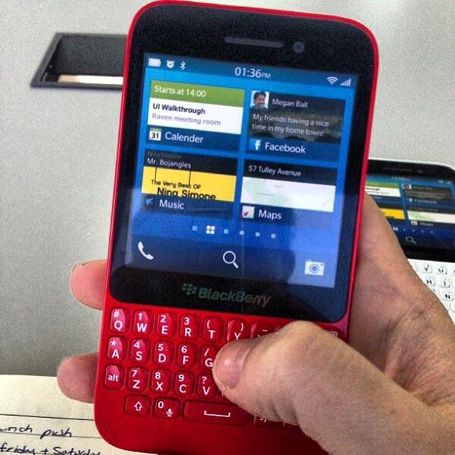 1367644587_blackberry-r10.jpg
