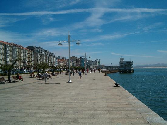 1368155093_seafront.jpg