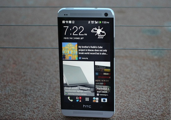 1368835399_htc-one-hands-on-igyaan-33.jpg