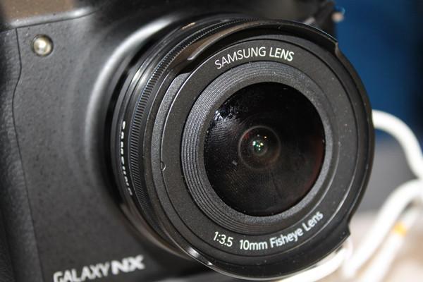 1372000338_samsung-galaxy-nx-by-hdblog-16.jpg