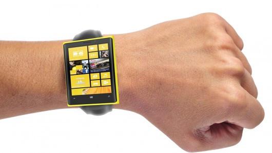 1374009289_microsoft-smartwatch.jpg