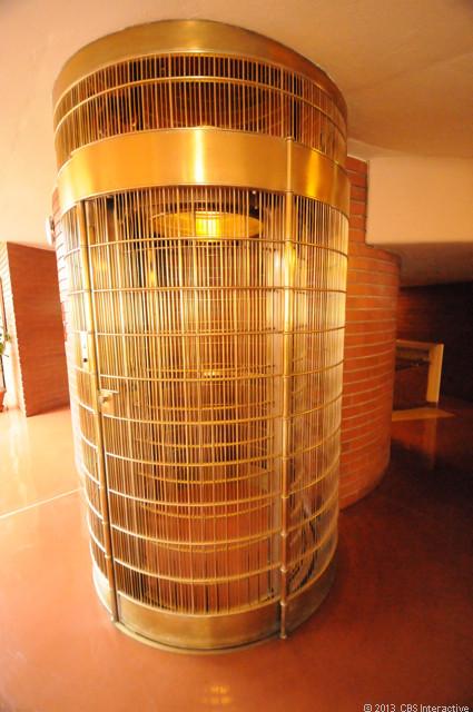 1375061314_elevatorcage.jpg