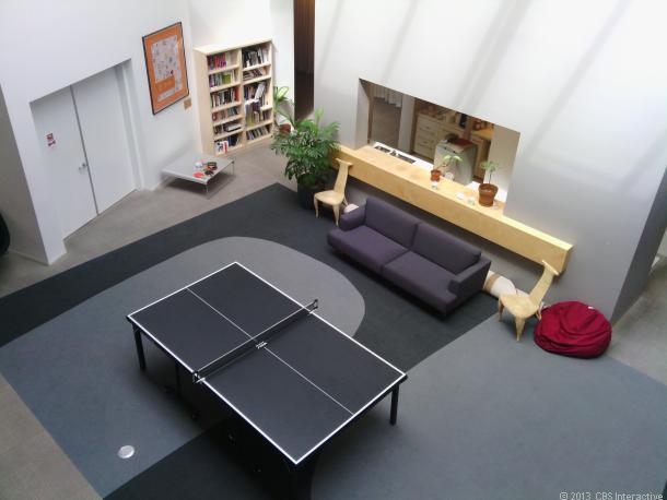 1375190470_35809411-indoor610x458.jpg