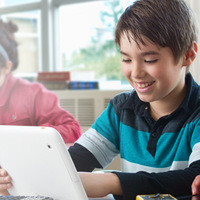 1375785561_intel-announces-two-atom-based-android-tablets-for-school-use.jpg