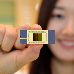 1375787639_samsung-first-with-stacked-v-nand-memory-next-flagships-could-start-off-with-128-gb-of-storage.jpg