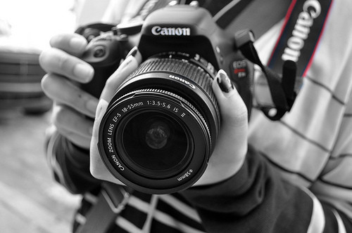 1376294199_awesome-black-and-white-camera-canon-dslr-favim.com-199230.jpg